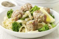 Lemon turkey meatballs with broccoli and tagliatelle