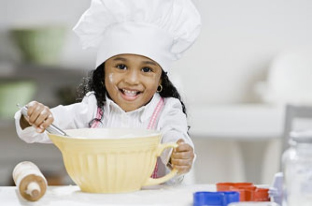 Child baking_Photolibrary