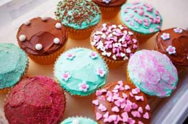 Fairy cakes_istockphoto