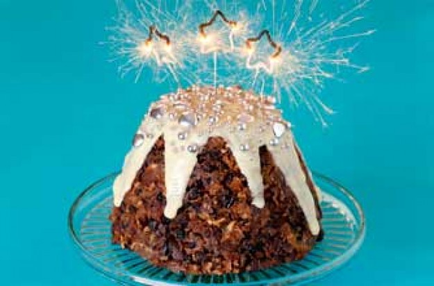 Apple and cinnamon Christmas pudding