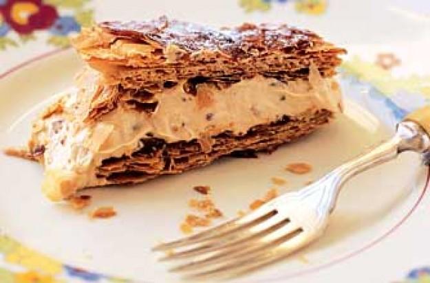 Honeycomb caramel slice