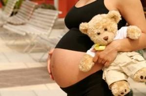 heavily pregnant woman_istock