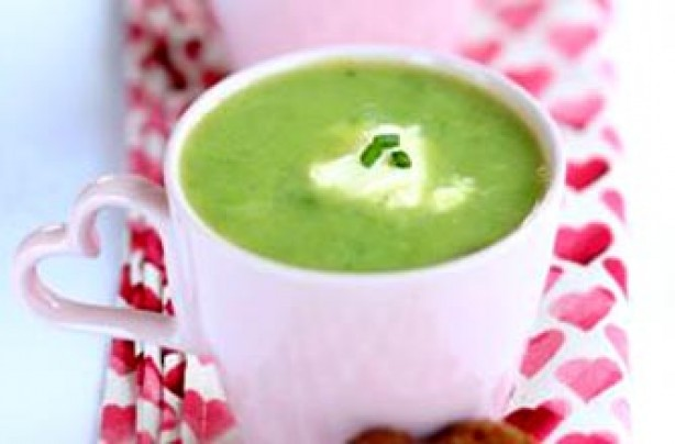 Pea and roasted garlic soup