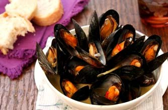 Thai-style mussels | Woman's Weekly recipe recipe - goodtoknow