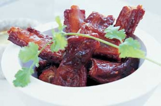Ken Hom's chilli pork spare ribs
