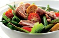Tuna, green bean and pea salad