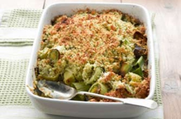 Leek and cheese crumble
