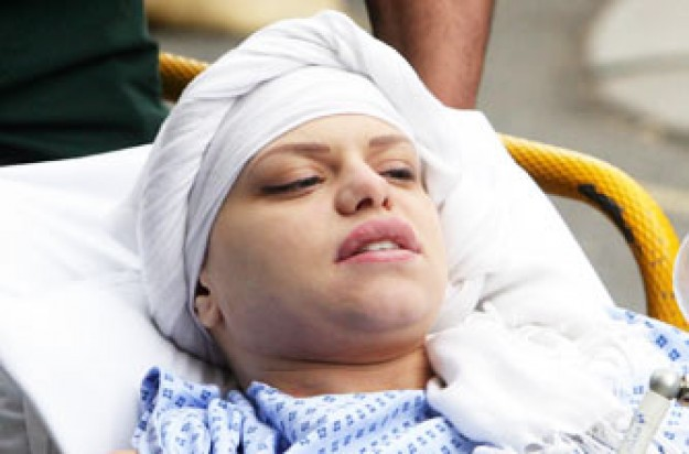 Jade Goody arriving at the Royal Marsden Hospital
