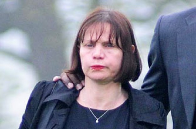 Jackiey Budden visits Jade Goody's grave, 12 Apr 2009