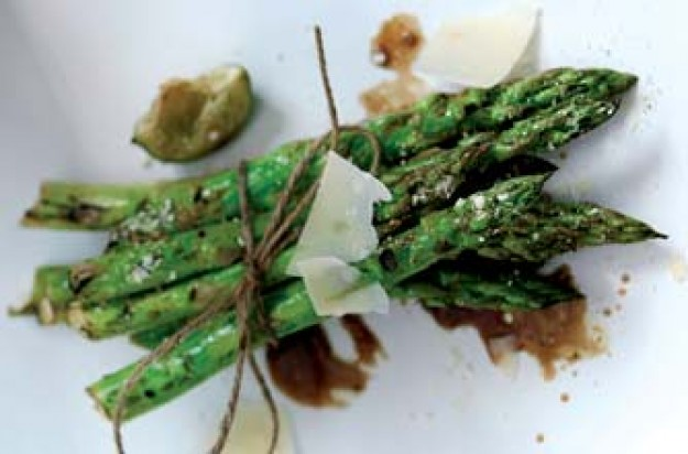 Asparagus with Parmesan and lime