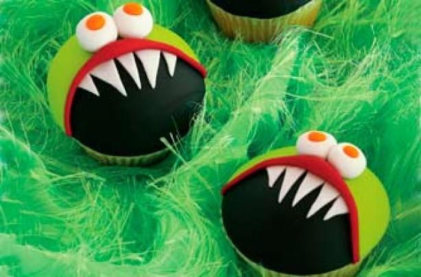 Easy Halloween cupcakes: Green monster cupcake recipe