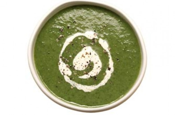 Spinach with horseradish cream soup