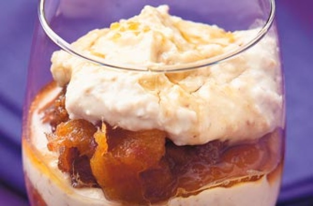 date and apricot pudding