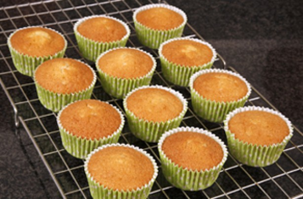 Woman's Weekly basic cupcake recipe
