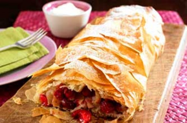 Woman's Weekly apple and cranberry strudel recipe