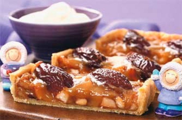 Nut date honey tart