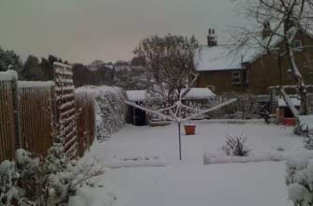 Simon's house in the snow