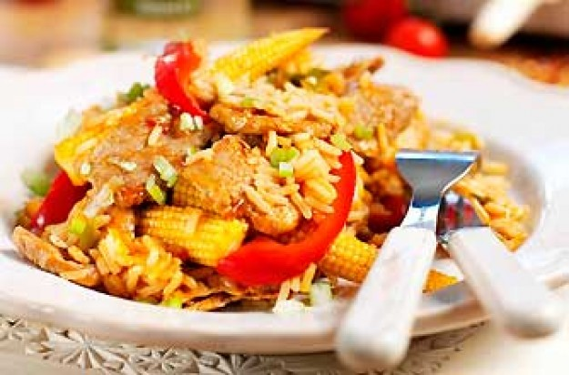 Stir-fried sweet chilli pork with baby sweetcorn and red pepper