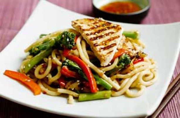 Udon noodles with Tenderstem, turkey and peppers
