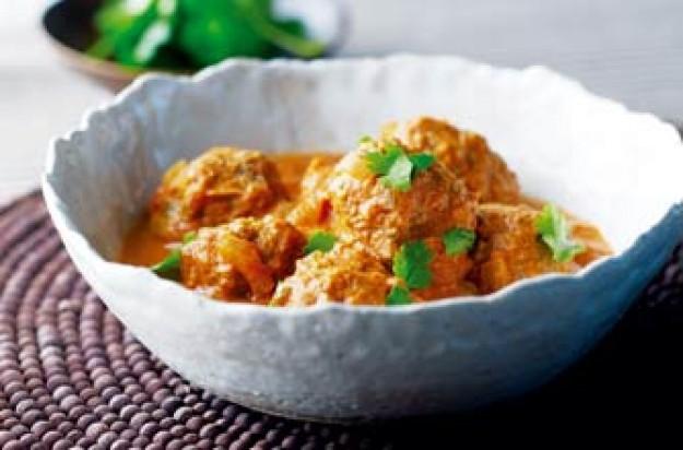 Weight Watchers kofta in red curry sauce