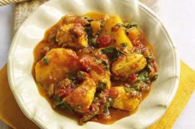 Slimming World's spicy chicken, spinach and potato curry