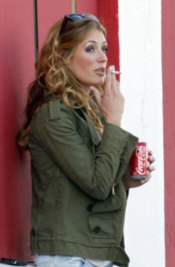 Celebrities smoking - Cat Deeley