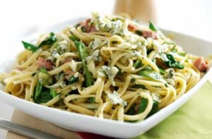 Stilton and bacon linguine pasta