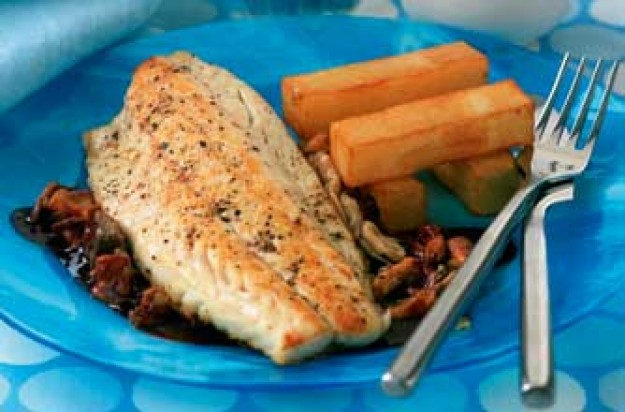 Sea bass with red wine and mushroom sauce