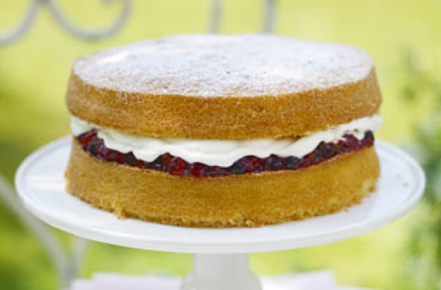 Essentials magazine summer berry Victoria sponge