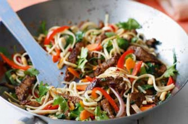 Essentials magazine, chilli beef noodles