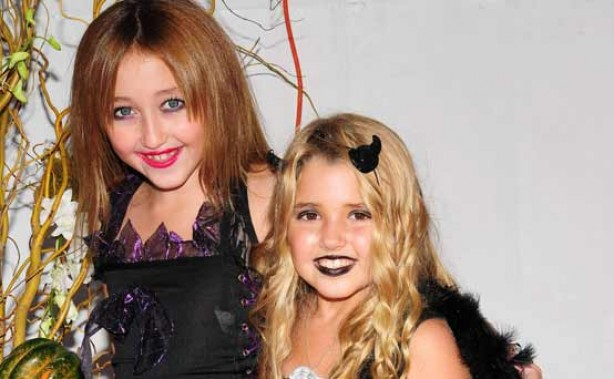 Miley's little sister Noah Cyrus with her friend