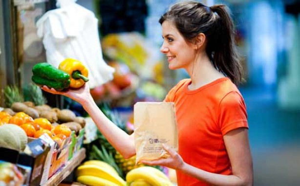 Money-saving tips for mums: Shop at the local market