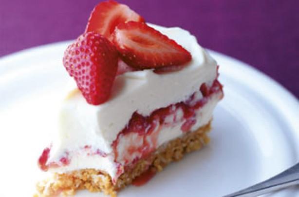 Strawberry, mascarpone and coconut cheesecake