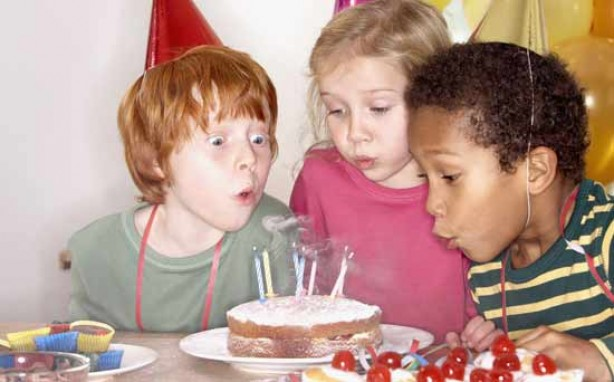 Money saving tips for mums: Host birthday parties at home