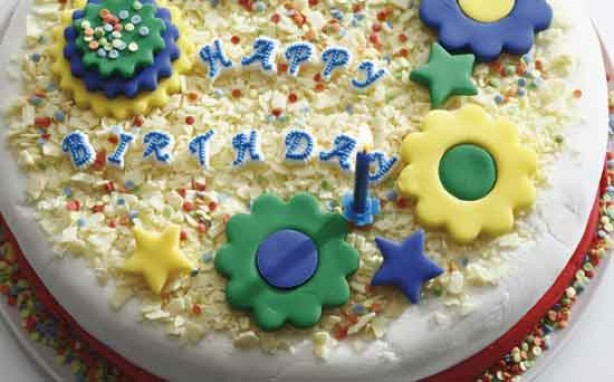 Money saving tips for mums: Make your own birthday cakes
