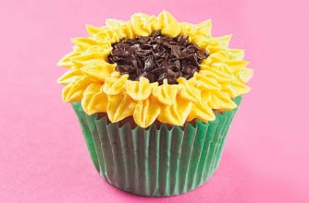 Summer sunflower cupcakes