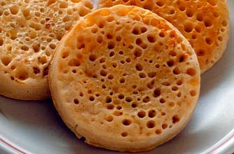 Low calorie snacks - One toasted crumpet - goodtoknow