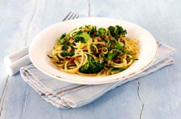 Gino D'Acampo's zesty broccoli and courgette spaghetti recipe
