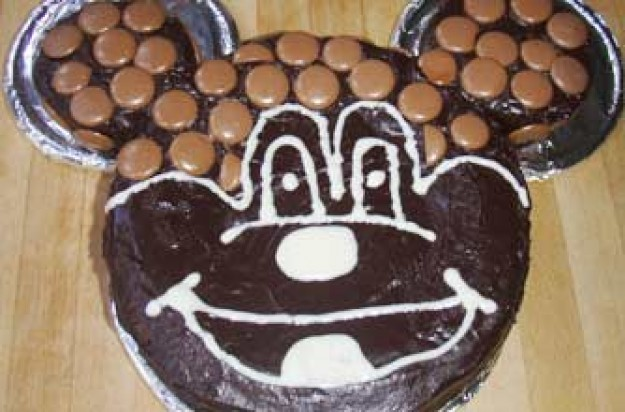 Grainne Halligan's Mickey mouse cake recipe