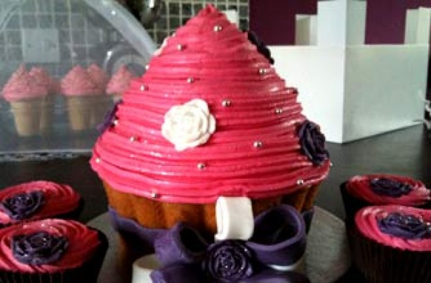Sam Philpott's giant cupcake recipe