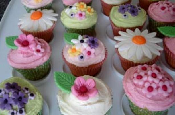 Victoria Threader's vanilla cupcakes