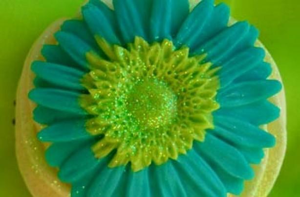 Angie Davidson's flower cupcake recipe