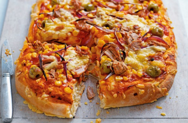 Tuna and sweetcorn pizza recipe