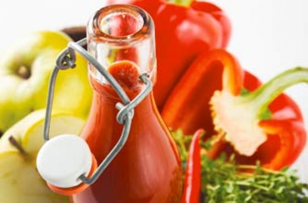 Ketchup made with peppers and cooking apples. It is tangy with a hint of heat from the chillies