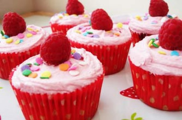 Victoria Threader's raspberry cupcakes recipe