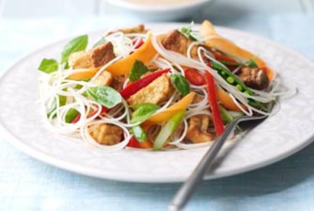 vegetarian satay noodles