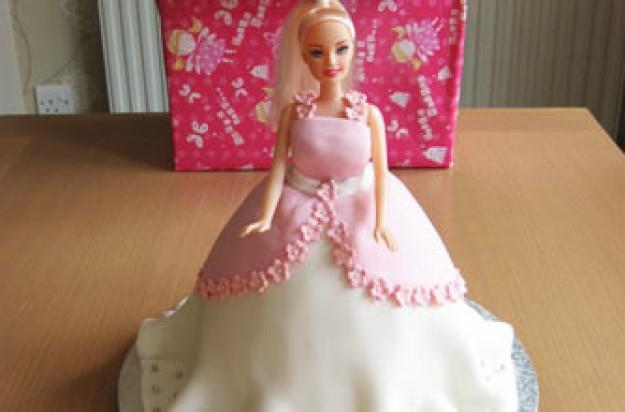 Keely Dowding's mum's princess cake recipe