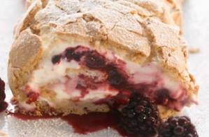 Gizzi Erskine's blackberry meringue roulade
