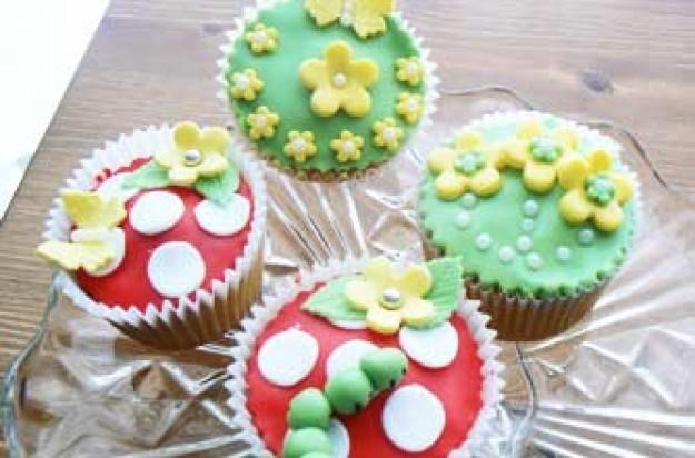 Cheryl Chapman's Bakewell tart cupcakes recipe