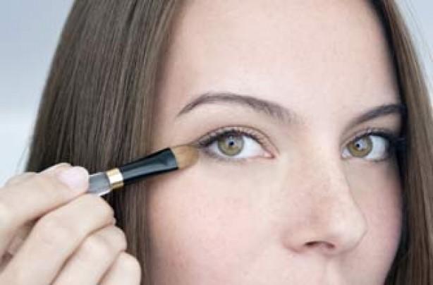 Anti-ageing secrets - eyeshadow